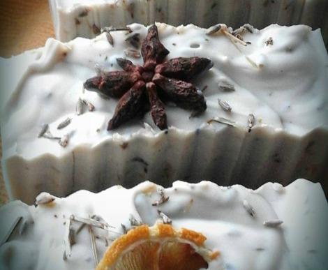 Sapone alla lavanda, anice stellato e limone con olio EVO e decotto di anice a lavanda